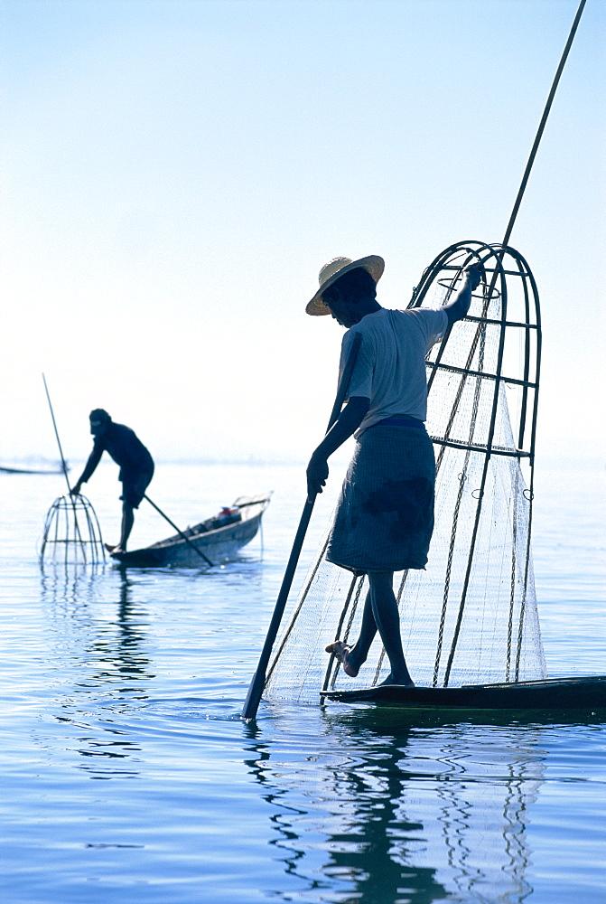 Intha Fisherman, Shan state - Inle Lake, Myanmar (Burma) *** Local Caption *** - 252-8957