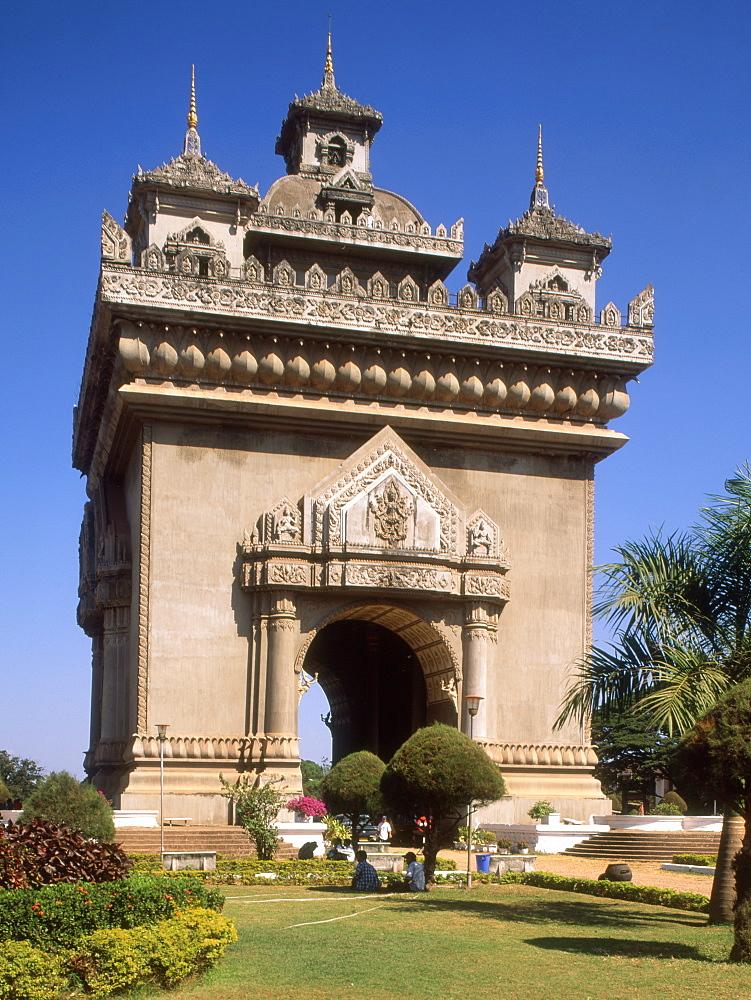 Patuxai (Arc de Triomphe), Vientiane, Laos, Indochina, Southeast Asia, Asia