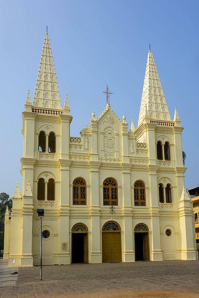 Santa Cruz cathedral, Cochin, Kerala, India, Asia - 306-4454