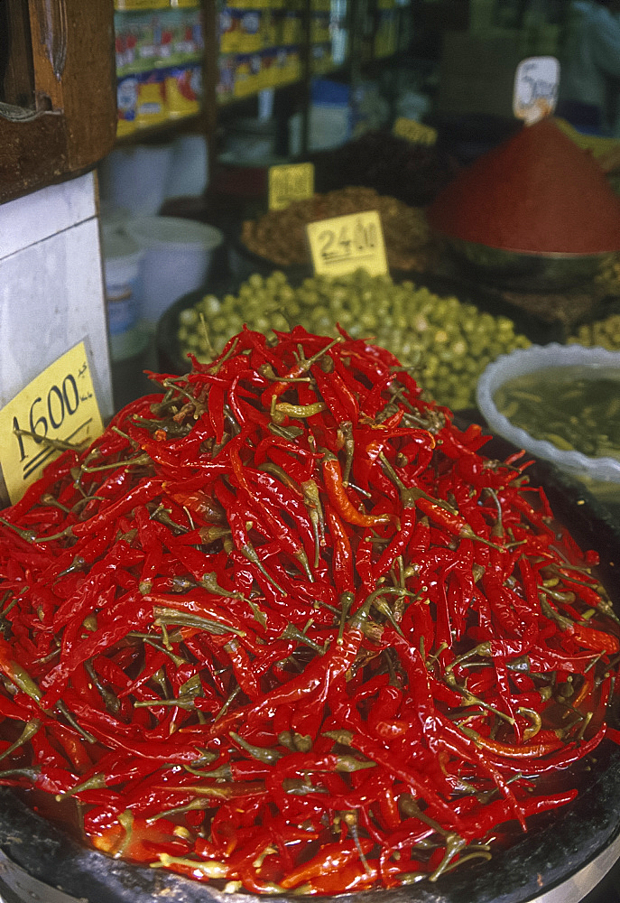 Red peppers, Marche Central, Tunis, Tunisia *** Local Caption ***