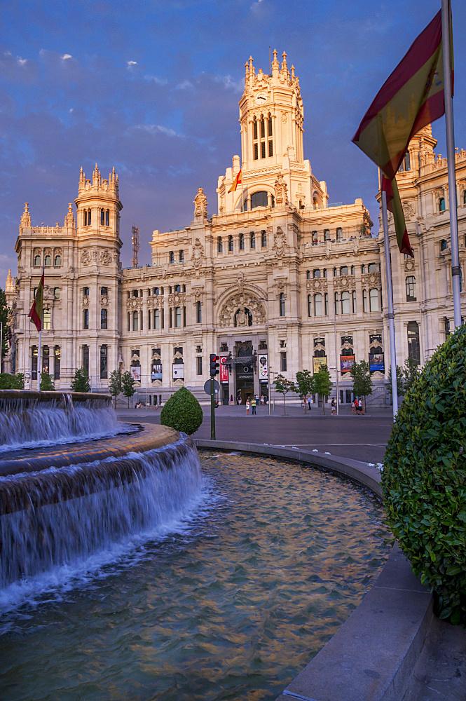 Plaza de Cibeles Palace (Palacio de Comunicaciones), Plaza de Cibeles, Madrid, Spain, Europe
