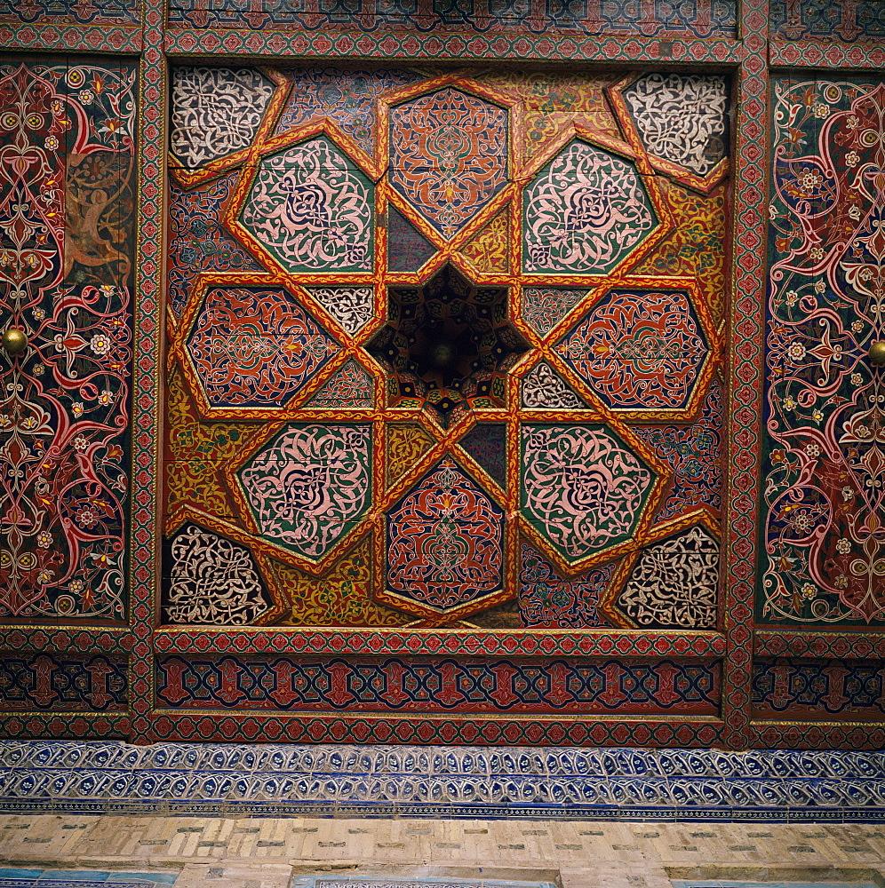 Painted wooden ceiling, Tash-Khaili Palace, Khiva, Uzbekistan, C.I.S., Central Asia, Asia