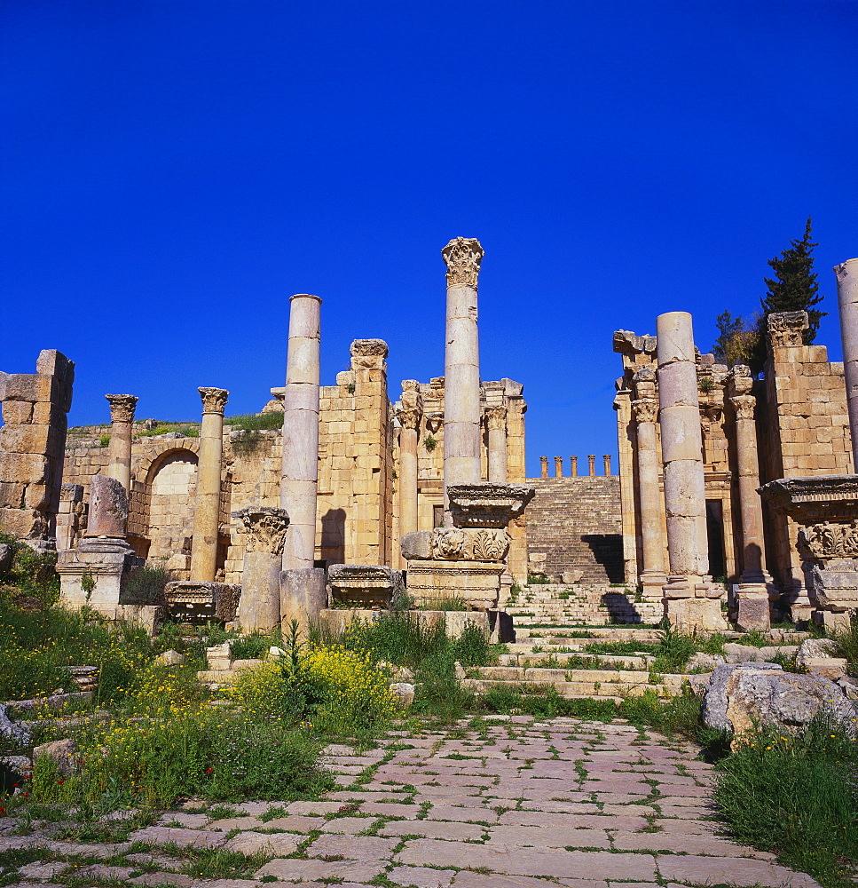 Temple of Artemis, Jerash, Jordan, Middle East - 391-6736