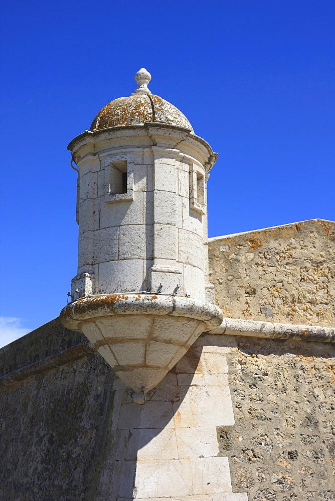 The Fort of Nossa Senhora da Penha de Franca, popularly known as the Fortaleza Ponta da Bandeira, built towards the end of the 17th century to defend the harbour, Lagos, Algarve, Portugal, Europe - 462-2465
