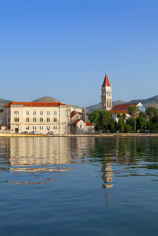 Trogir, view of the cathedral across the water - 526-3788