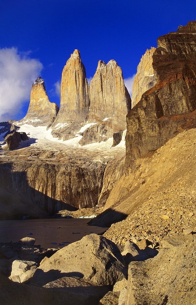 Mountain Lake, Tierra del Fuego, Torres del Paine National Park, Chile - 563-189
