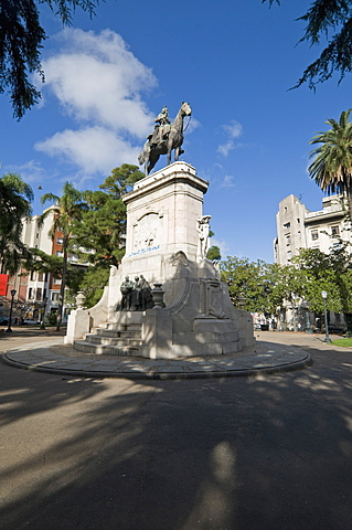 Statue of General Don Bruno De Zabala founder of Uruguay, Plaza Zabala, Montevideo, Uruguay, South America