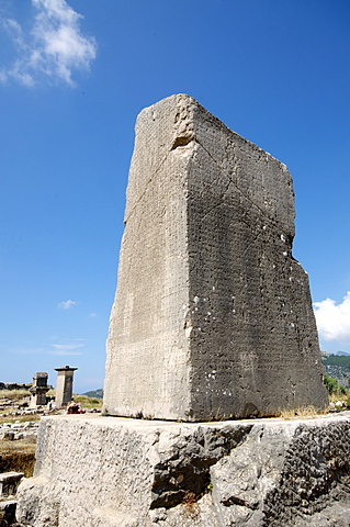 The Inscribed Pillar at the Lycian site of Xanthos, UNESCO World Heritage Site, Antalya Province, Anatolia, Turkey, Asia Minor, Eurasia