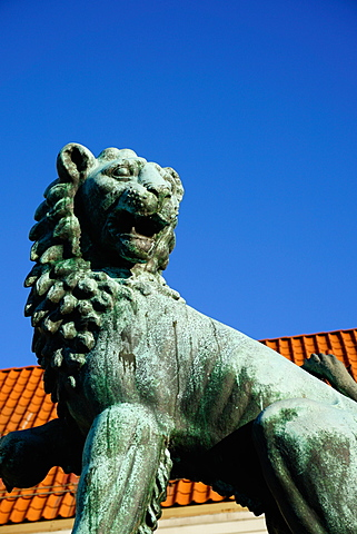 Lion Statue, Bergen, Hordaland, Norway, Scandinavia, Europe
