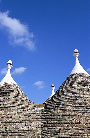 Old trulli houses with stone domed roof, Alberobello, UNESCO World Heritage Site, Puglia, Italy, Europe