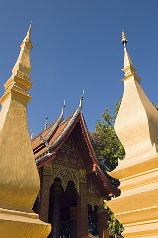 Buddhist temple, Luang Prabang, Laos, Indochina, Southeast Asia, Asia - 641-9629