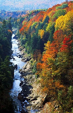 Ottauquechee River, Quechee Gorge, Quechee National Park, Vermont USA - 645-1061