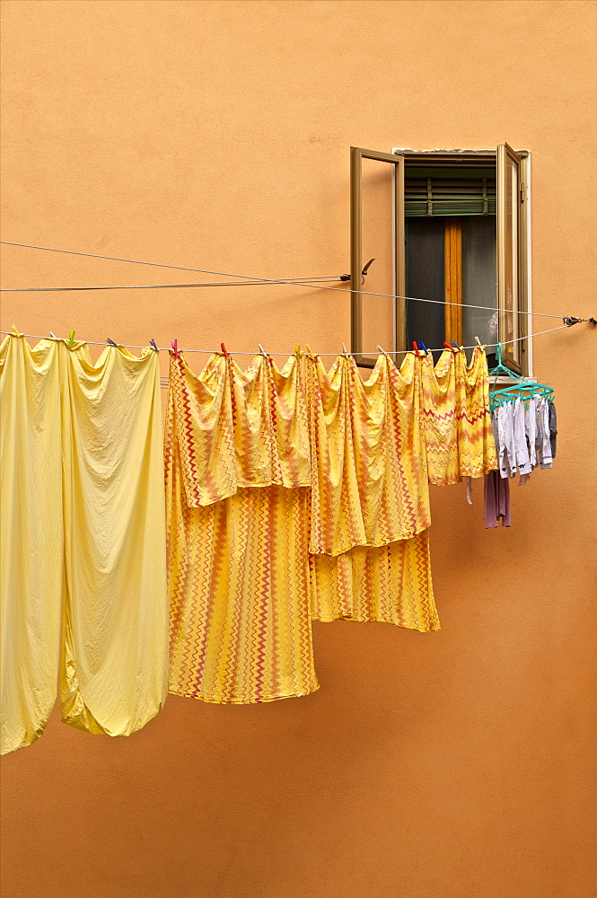 Washing lines hanging across the street, Castello Quarter, Venice, Veneto, Italy, Europe