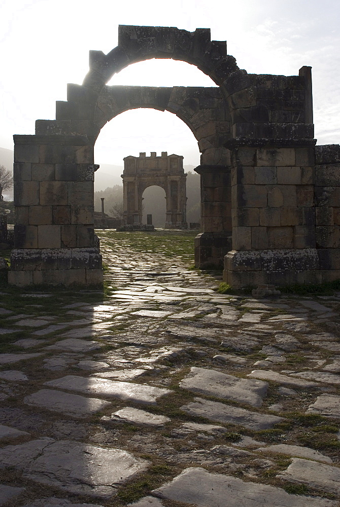 Arches at the northern end of the Forum, Djemila, UNESCO World Heritage Site, Algeria, North Africa, Africa