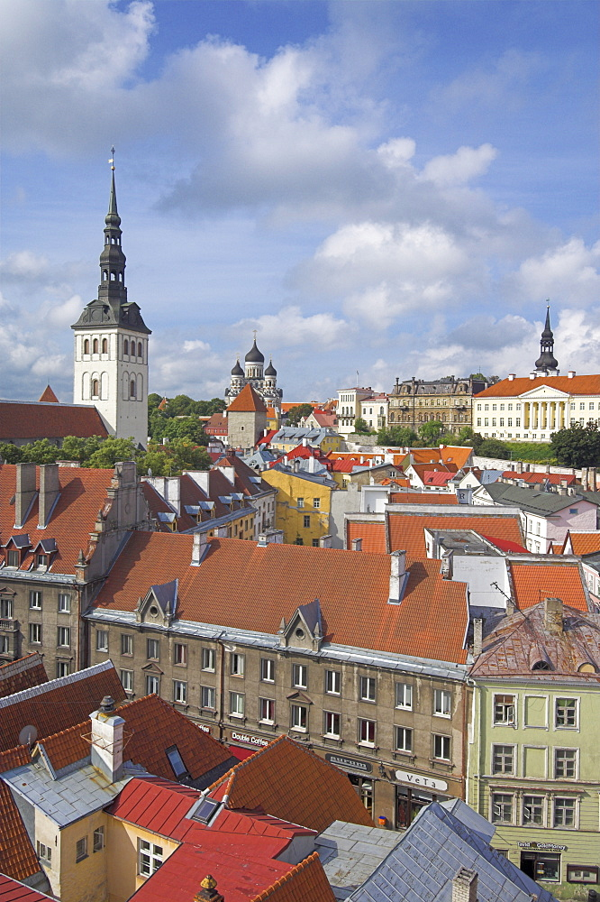 Niguliste church spire, old town roofs and domes of the Alexander Nevsky Cathedral, Russian Orthodox church, Toompea Hill, Tallinn, UNESCO World Heritage Site, Estonia, Baltic States, Europe - 698-2161