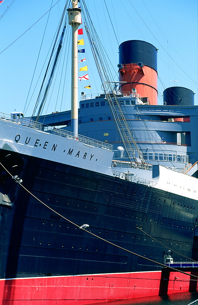 Usa, California, Los Angeles, Long Beach, Queen Mary Liner At Quay As An Hotel - 700-10296