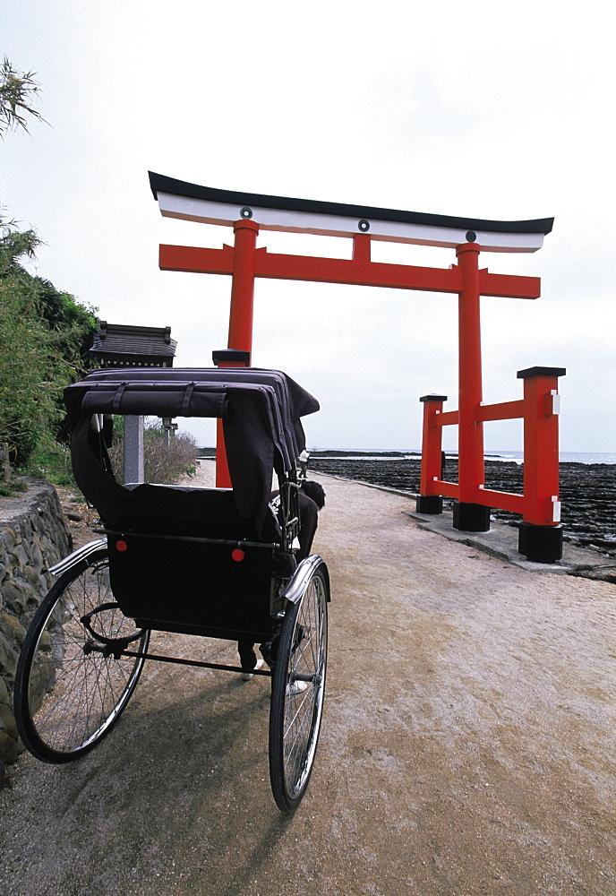 Japan, Kiyushu, Miyazaki Temple Gate