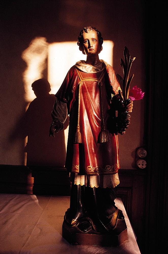Nuits, St Vincent Statue, Burgundy, France