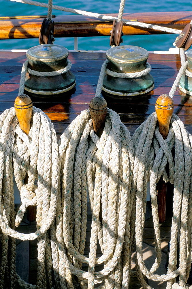 Rope on deck of cruise ship, Southeast Asia, Asia - 700-9833