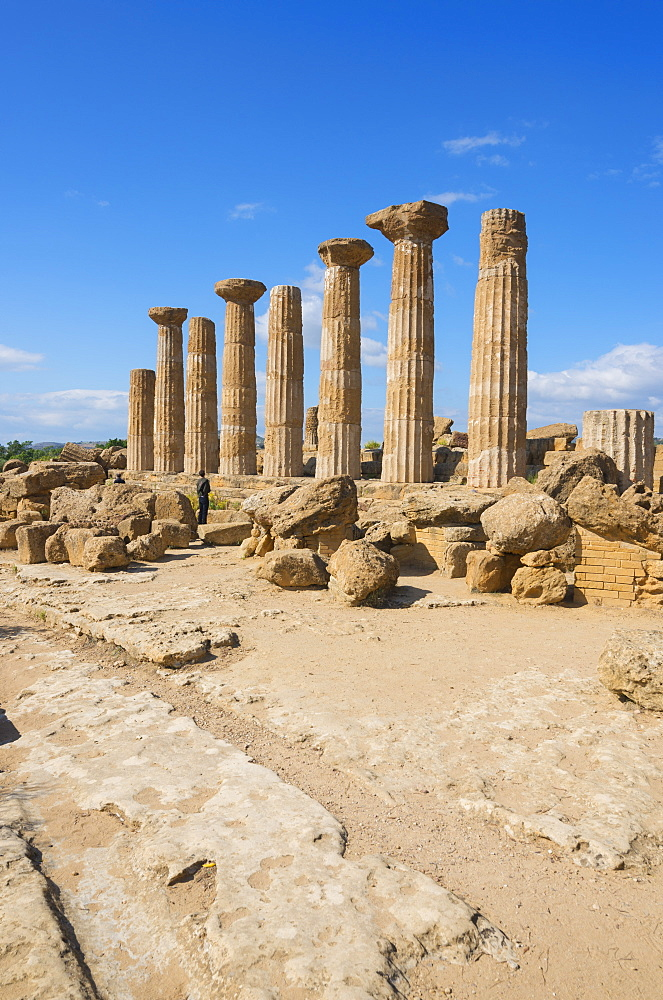 Remains of Temple of Heracles, Valley of the Temples, Agrigento, UNESCO World Heritage Site, Sicily, Italy, Europe - 718-2132