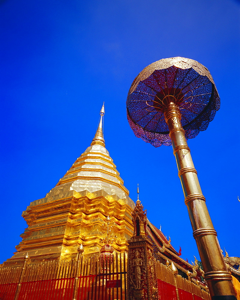 Copper plated Chedi and five tiered golden umbrella. Lanna style, Wat Phrathat Doi Suthep, Chiang Mai, Thailand *** Local Caption ***