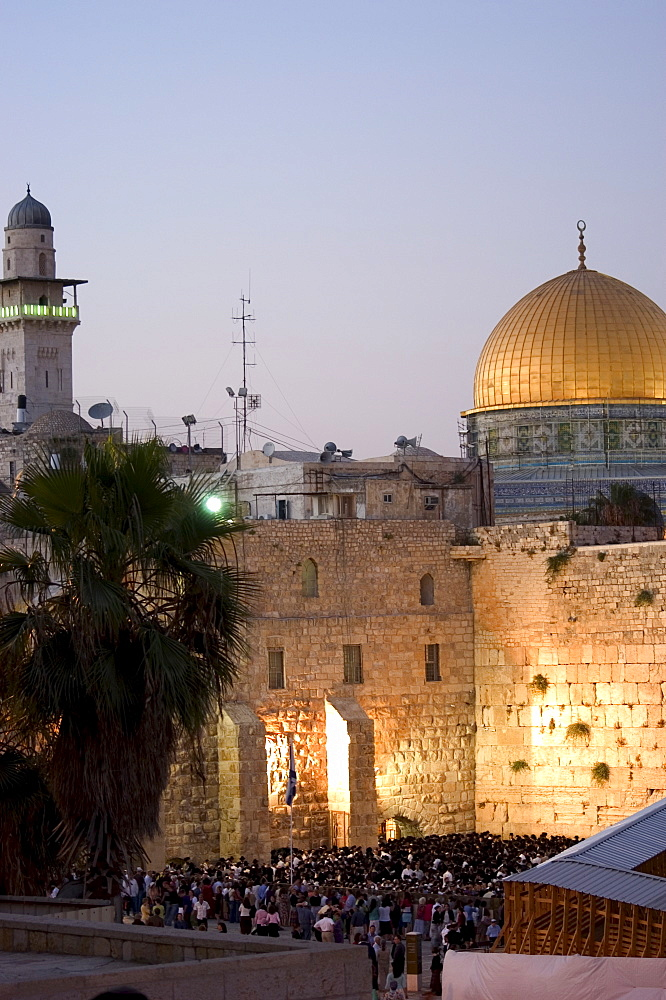 Western (Wailing) Wall, Dome of the Rock, Haram ash-Sharif (Temple Mount), Old Walled City, UNESCO World Heritage Site, Jerusalem, Israel, Middle East