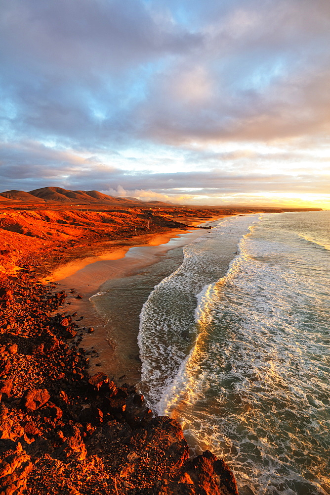 Europe, Spain, Canary Islands, Fuerteventura, El Cotillo coastal scenery at sunset - 733-8413
