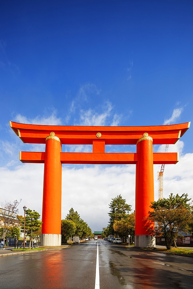 Torii gate at Heian Jingu Shinto shrine, Kyoto, Japan, Asia - 733-8554