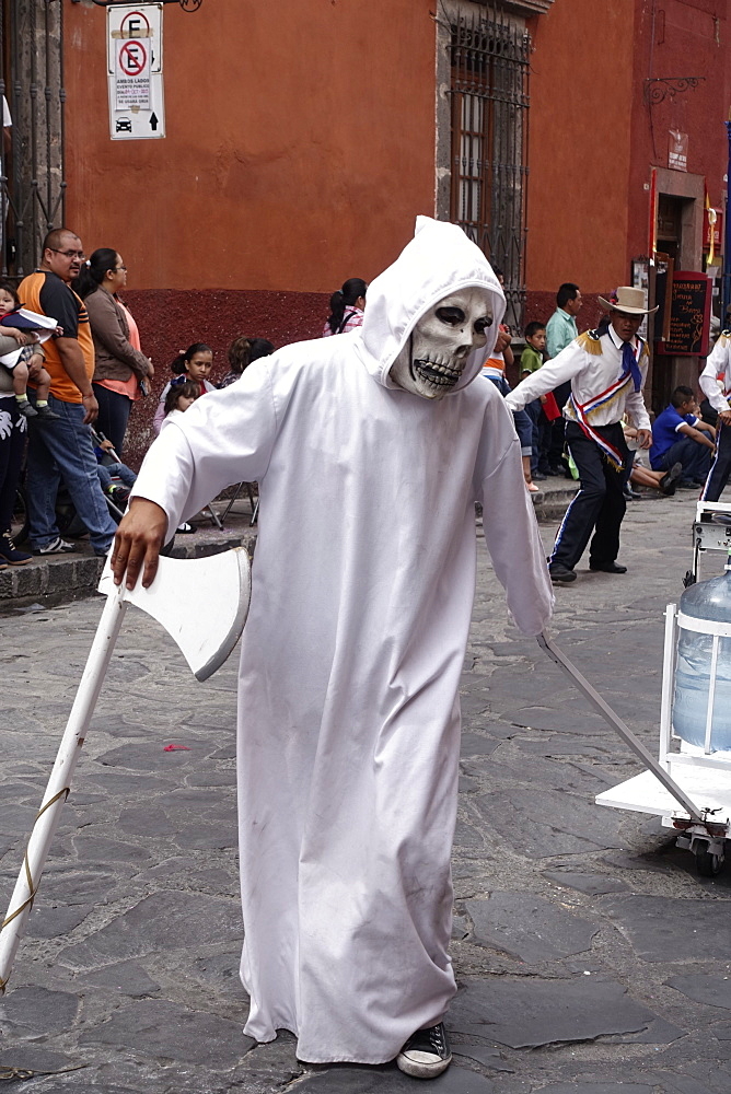 Native Dancer as death, Semana Santa, San Miguel de Allende, Mexico - 745-131