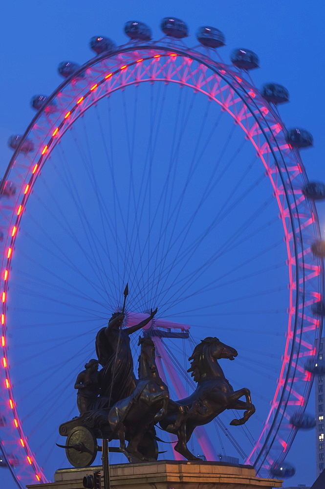 Boudica Sculpture and Millennium Wheel (London Eye), Westminster Bridge, London, England, United Kingdom, Europe - 747-1764