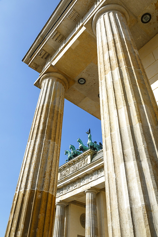 Brandenburg Gate (Brandenburger Tor), Mitte, Berlin, Germany, Europe