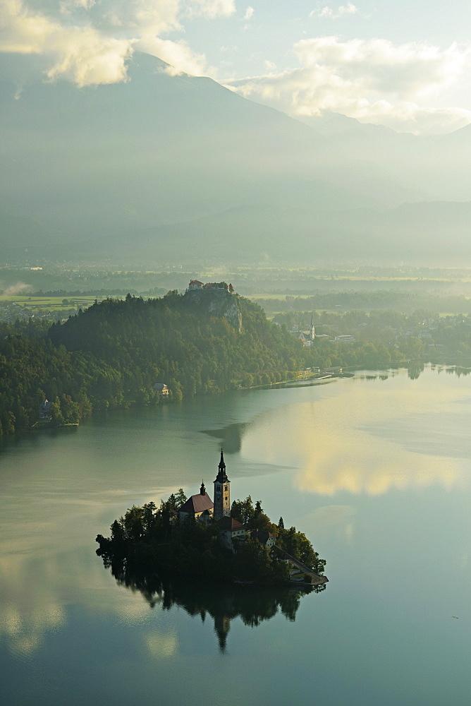 Lake Bled (Blejsko jezero), Bled, Julian Alps, Slovenia, Europe - 756-2742