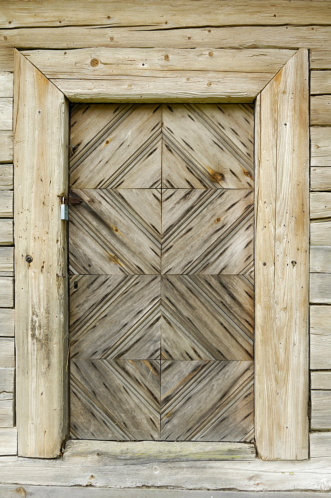Door detail of a traditional Lithuanian farmstead from the Zemaitija region, Lithuanian Open Air Museum, Rumsiskes, near Kaunas, Lithuania, Baltic States, Europe - 762-233