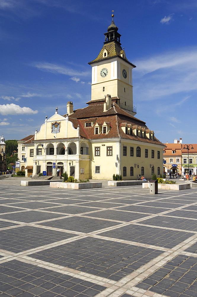 Casa Sfatului (Council House), Piata Sfatului (Council Square), Brasov, Transylvania, Romania, Europe