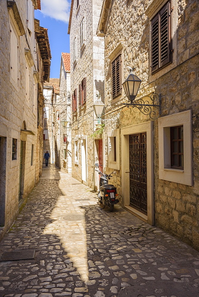 Narrow streets, Trogir Old Town, UNESCO World Heritage Site, Croatia, Europe