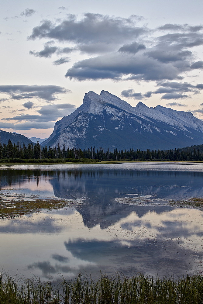 Mount Rundle and Vermilion Lakes, Banff National Park, UNESCO World Heritage Site, Alberta, Canada, North America