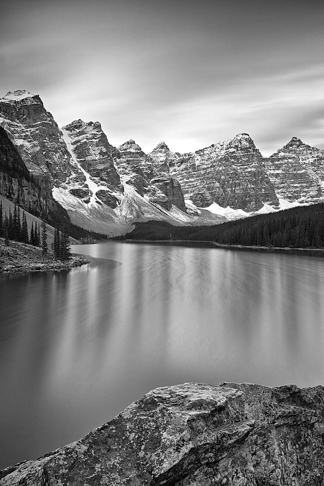 Moraine Lake, Banff National Park, UNESCO World Heritage Site, Alberta, Canada, North America