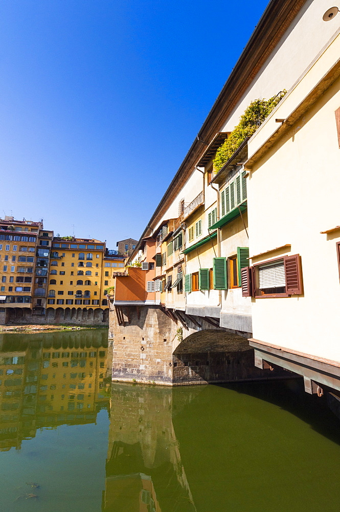 Ponte Vecchio and River Arno, Florence (Firenze), UNESCO World Heritage Site, Tuscany, Italy, Europe