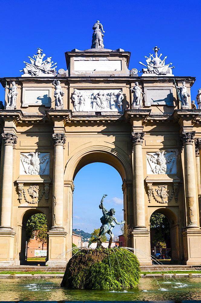 Piazza della Liberta, Arco dei Lorena (Lorena's triumphal arch), Florence (Firenze), UNESCO World Heritage Site, Tuscany, Italy, Europe