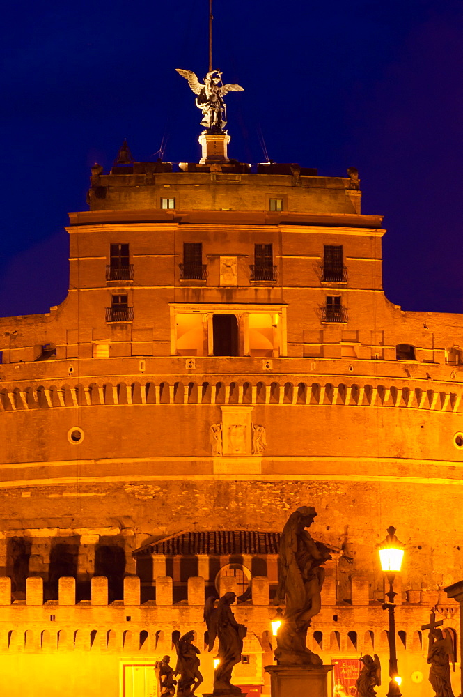 Castel Sant'Angelo and statues of Ponte Sant'Angelo, UNESCO World Heritage Site, Rome, Lazio, Italy, Europe - 765-1985