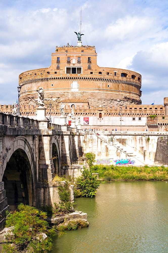 Castel Sant'Angelo, Ponte Sant'Angelo and Tiber River, UNESCO World Heritage Site, Rome, Lazio, Italy, Europe - 765-1992