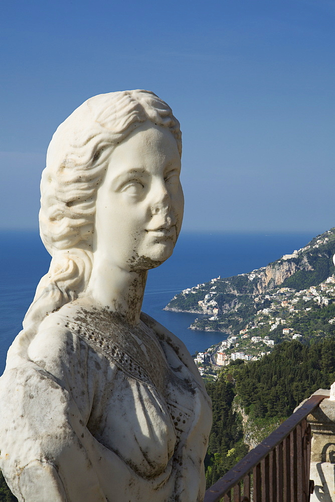 Statue on the Infinity Terrace, Villa Cimbrone, Ravello, Amalfi Coast, UNESCO World Heritage Site, Campania, Italy, Mediterranean, Europe