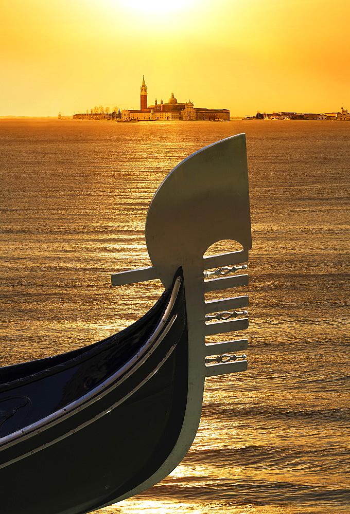 Gondola, Venice, UNESCO World Heritage Site, Veneto, Italy, Europe - 772-3594