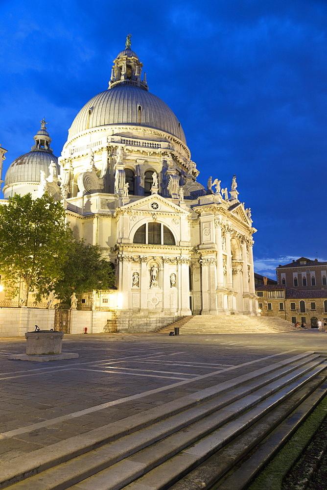 Santa Maria della Salute illuminated at night, Venice, UNESCO World Heritage Site, Veneto, Italy, Europe