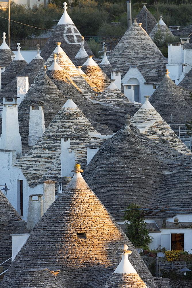 Rooftops of traditional trullos (trulli) in Alberobello, UNESCO World Heritage Site, Puglia, Italy, Europe