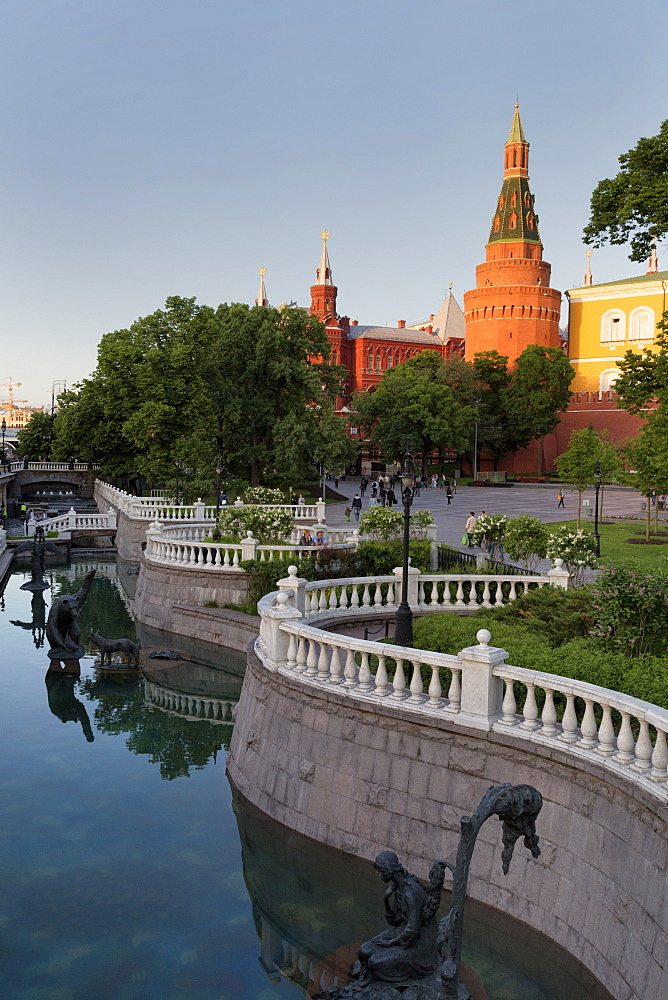 Alexander Gardens and the Kremlin, Moscow, Russia, Europe