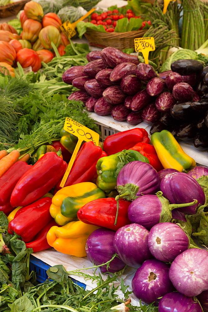 Fruit and vegetables for sale in Mercato di Campo de Fiori, Rome, Lazio, Italy, Europe