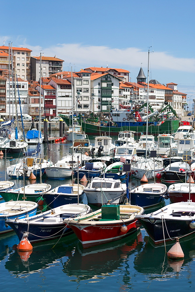 Traditional fishing boats moored in the harbour in Lekeitio, Basque Country (Euskadi), Spain, Europe - 785-2073