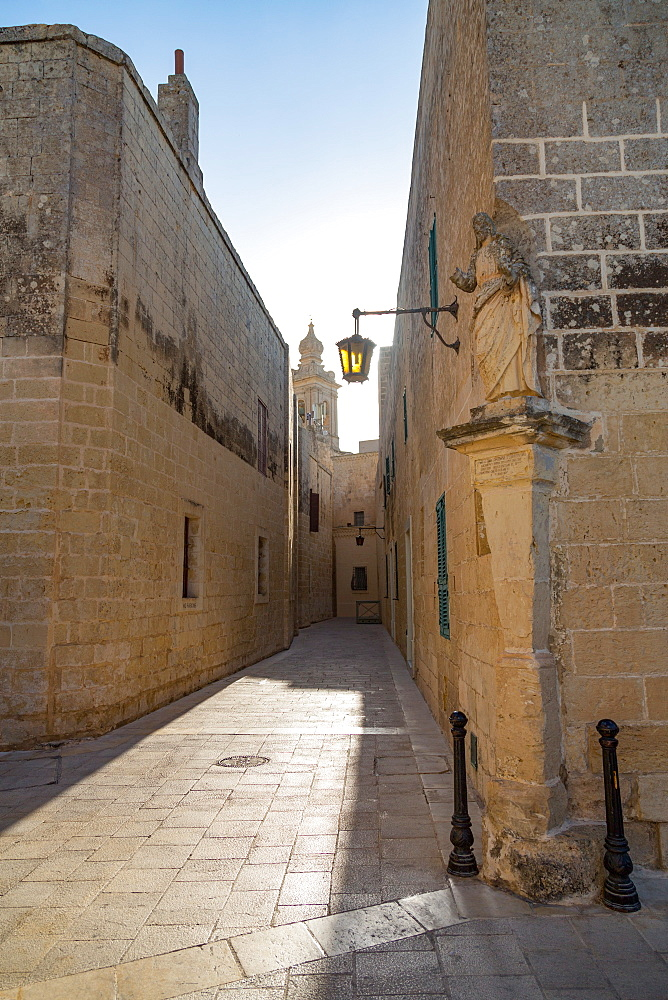 A quiet alley in the historic citadel of Mdina, Malta, Mediterranean, Europe