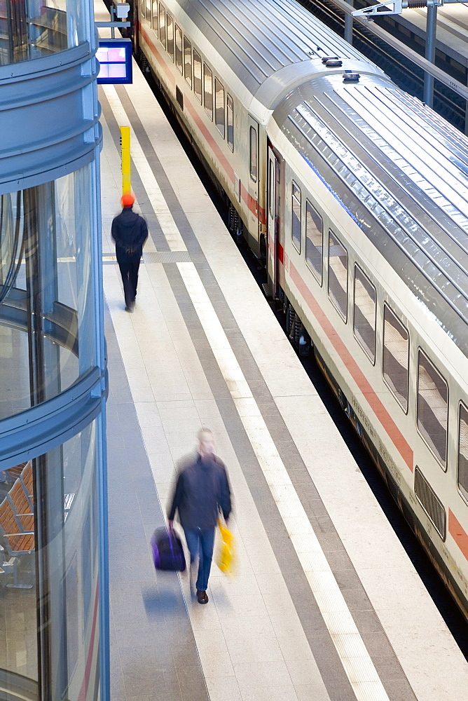 Train pulling into the platform, new modern main railway station, Berlin, Germany, Europe - 794-1060